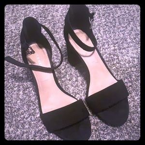 Old Navy Black Ankle Block Heels size 7
